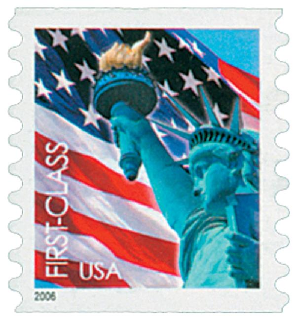 2005 39c Statue of Liberty and Flag, 8 1/2 vertical perf